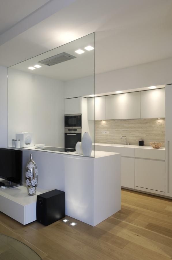 Piccolo appartamento minimal deposito creativo for Appartamento minimal