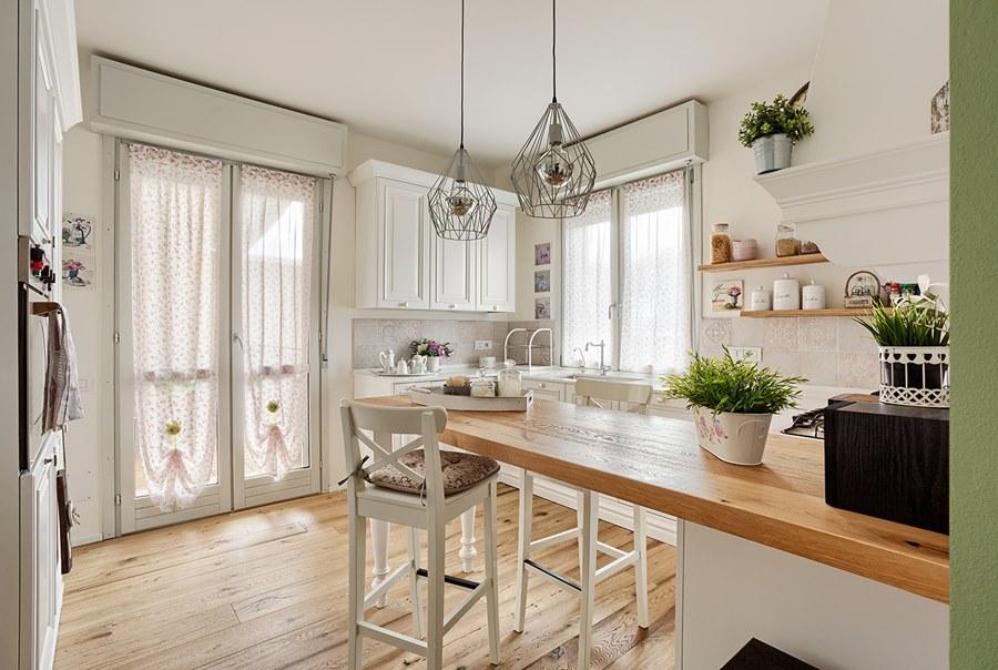 Le regole per arredare casa con complementi design for Arredamento marino per casa