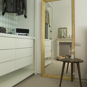 milanomarittima-luxury-porro-storage-design-mirror-gervasoni